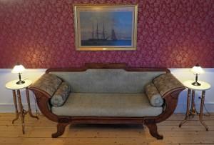 Gammel sofa fra ØP